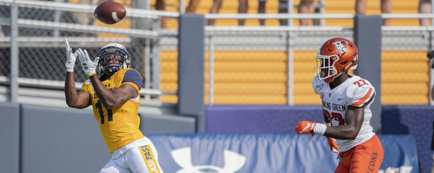 Kent State wide receiver Mike Carrigan catches the ball during the second quarter of the 2019 Homecoming Game against Bowling Green.