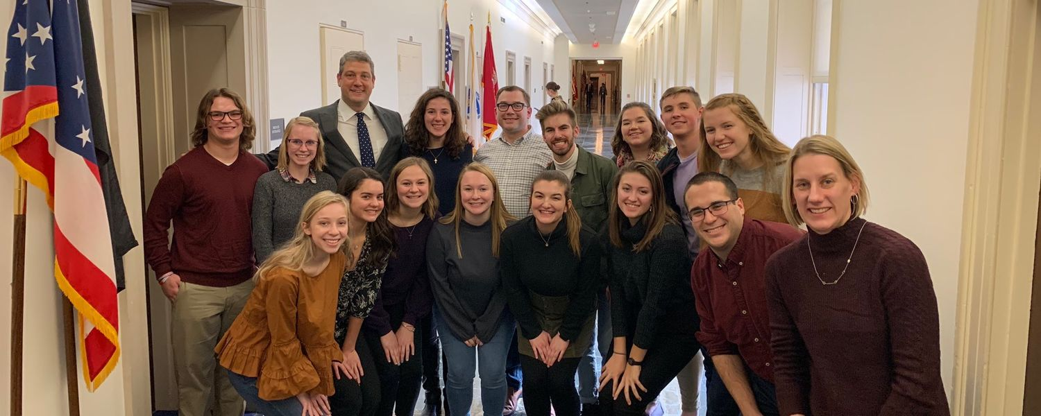 Honors College Leadership Academy members pose for photo with Tim Ryan