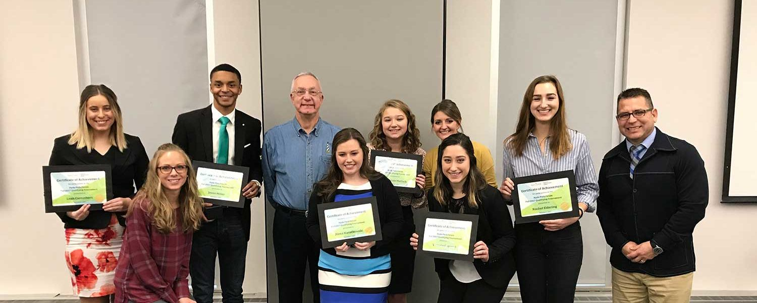 Students win fall Hyde Park qualifying tournament.