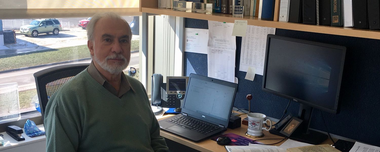 Headshot of Robert Uribe
