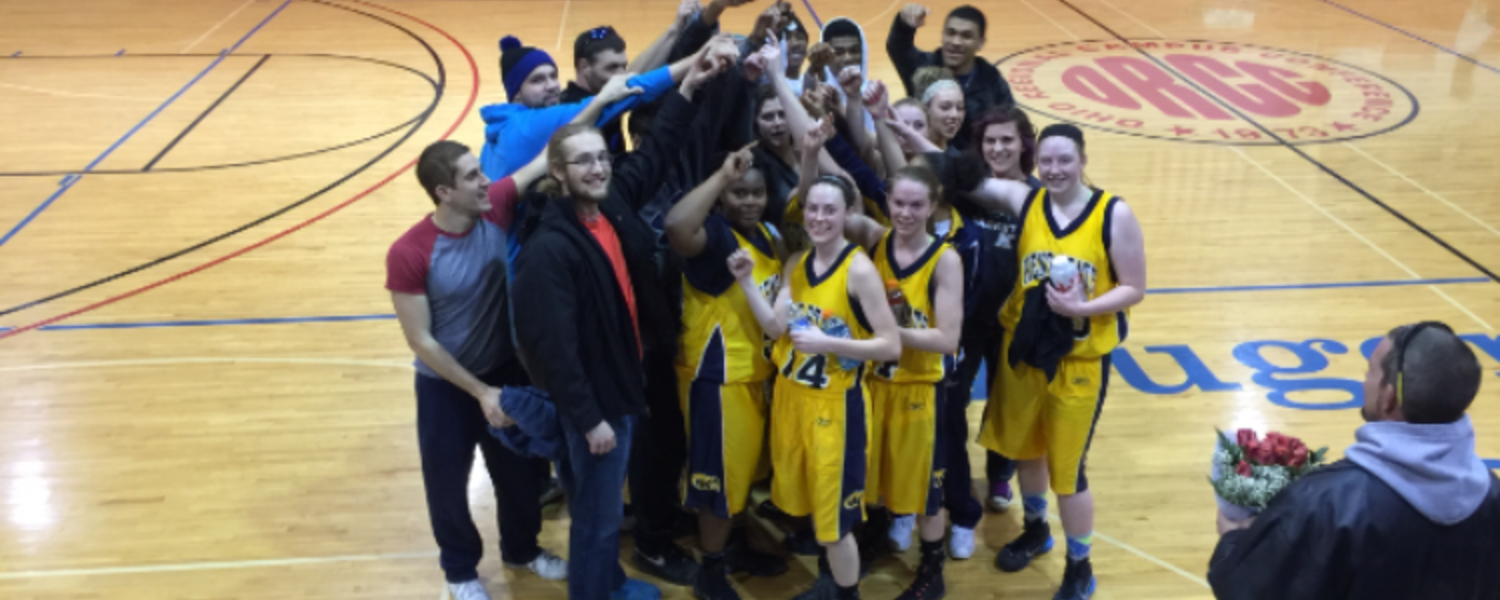 Basketball Teams Win First Round of Tournament