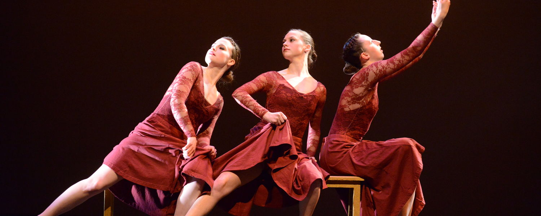 "Dana Wasielewski, Miranda Harig, and Kelsey Jones perform Barbara Allegra Verlezza's ""Three Sister Sonata"""