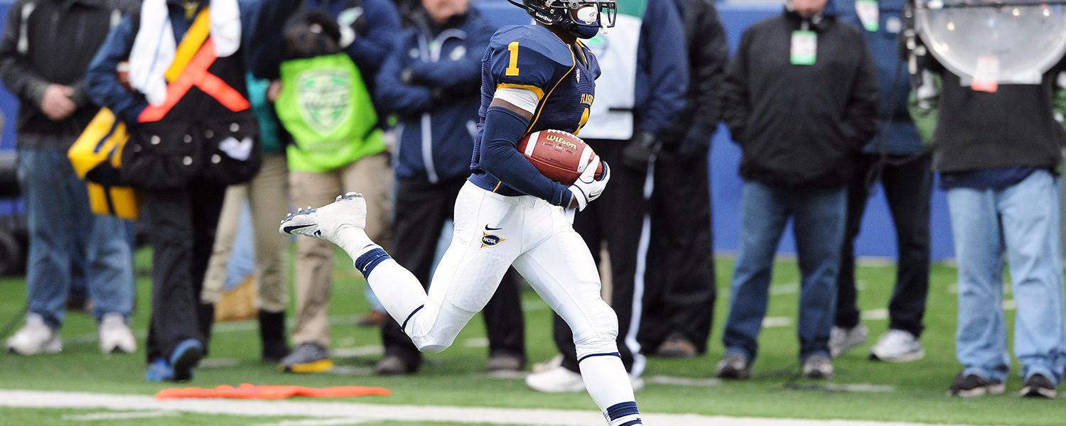 Kent State's Dri Archer scores a touchdown during a 35-24 win over the University of Akron, at Dix Stadium.