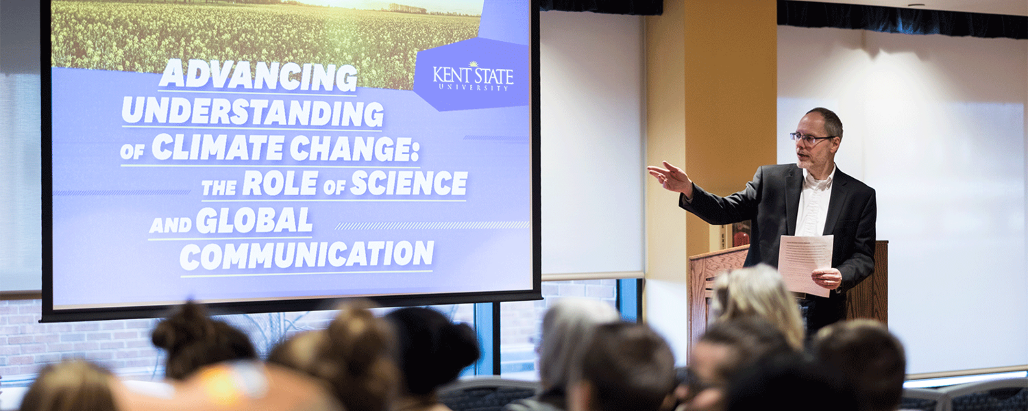 """Professor Paul Haridakis welcomes attendees to the Spring 2018 Pulitzer Center on Crisis Reporting panel discussion, """"Advancing Understanding of Climate Change: The Role of Science and Global Communication."""""""