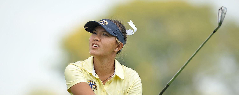 Pimnipa Panthong swinging her golf club