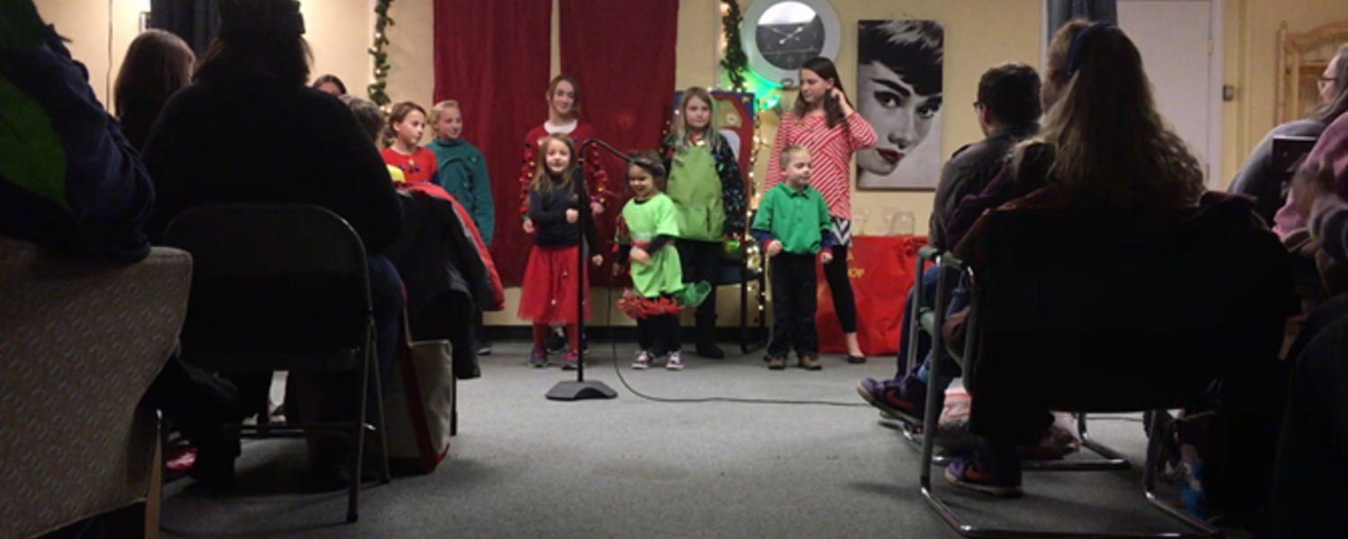 Students Participate in Program at the Rising Star Center for the Arts