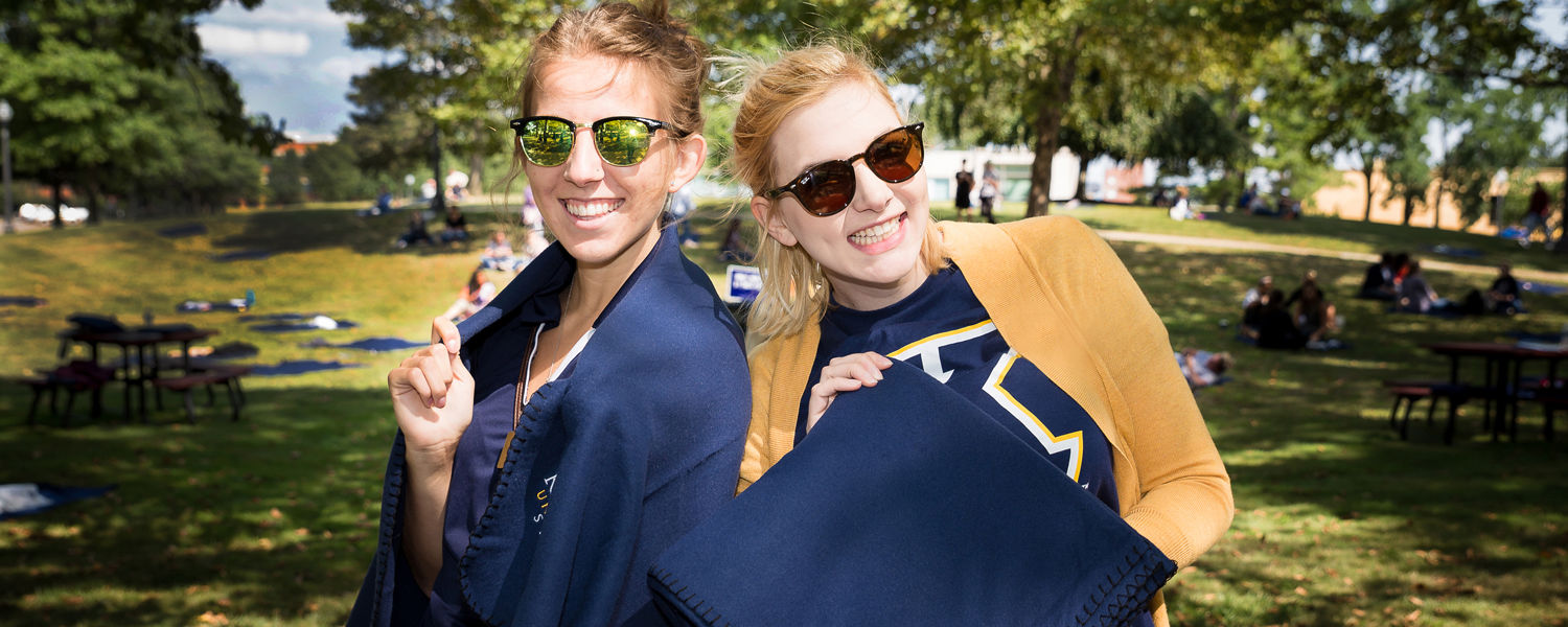 Kent State University at Stark welcomes new students to campus on August 18 for Smart Start Saturday.