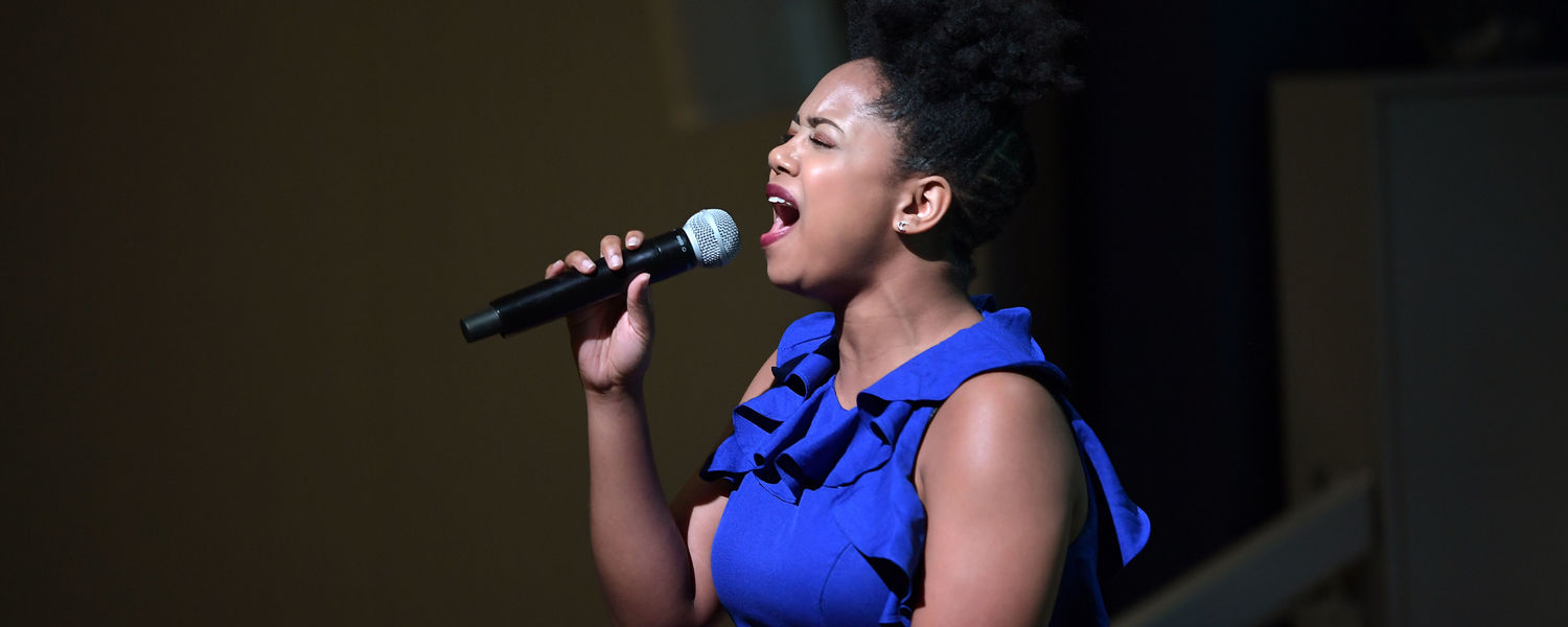 """Kent State theatre major Montria Walker opens the 2018 State of the University Address by performing """"Rise Up."""""""