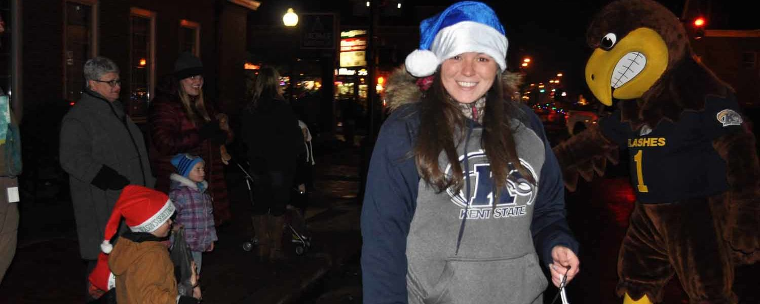 Kent State University at Salem participates in the holiday parade 2017