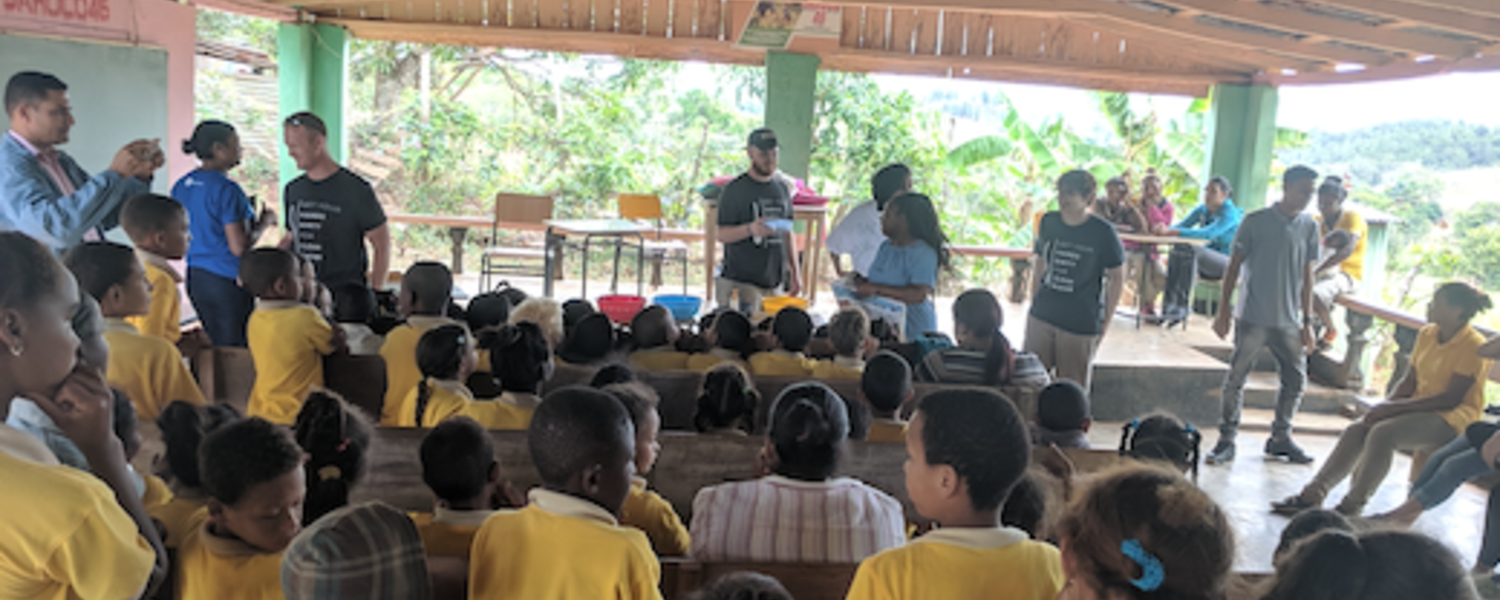 Kent State Students Volunteer in Dominican Republic for Alternative Spring Break Trip