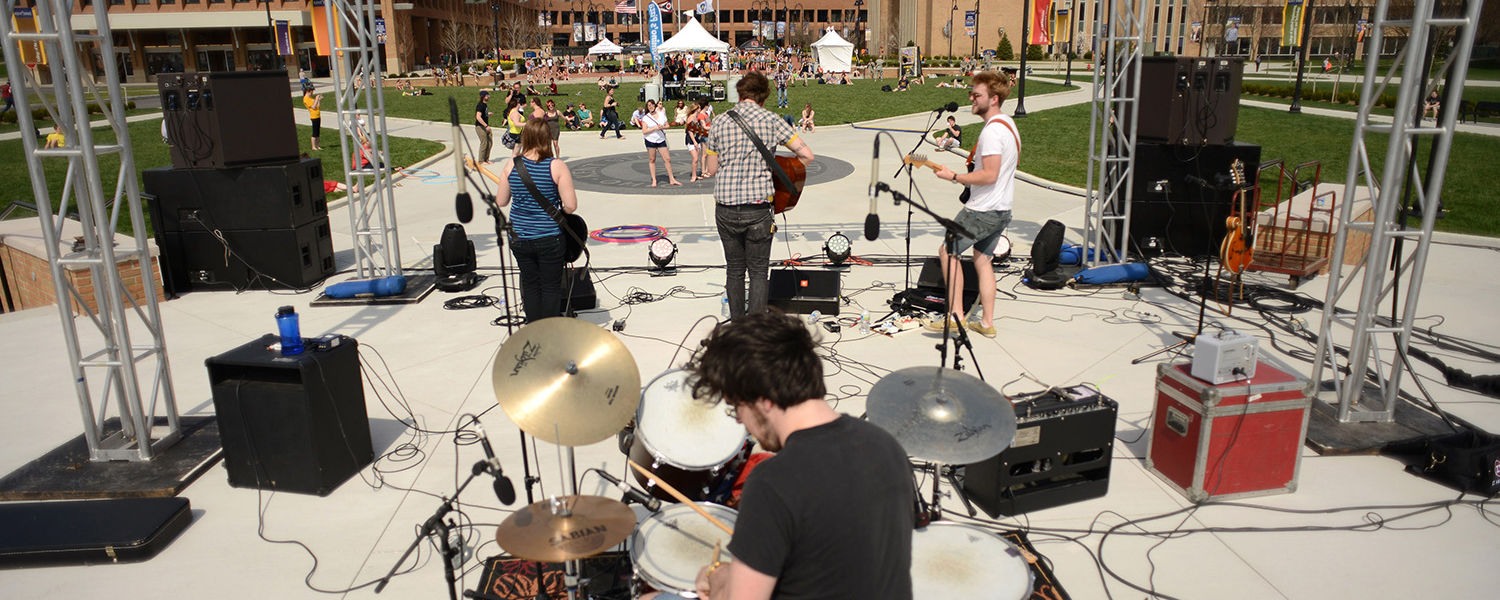 Hive Robbers performs on the Student Green as part of FlashFest 2013, an annual event for Kent State students.