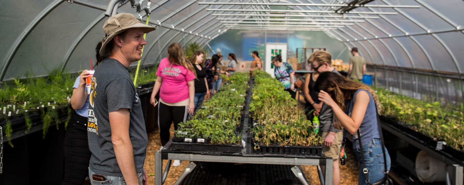 KENT STATE STARK STRENGTHENS COMMUNITY THROUGH RESEARCH