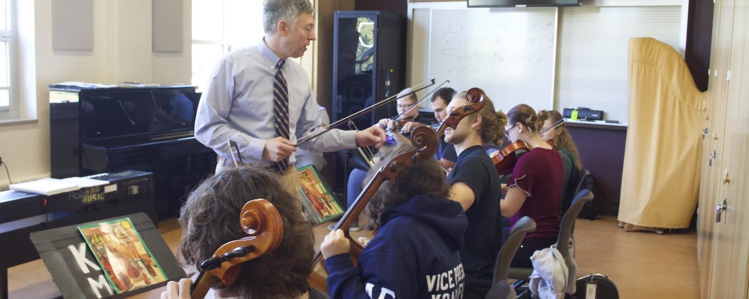Dr. Craig Resta Teaching Undergraduate String Methods Class