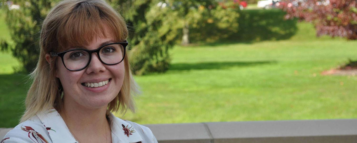 Hayley Shasteen, a junior psychology/biology major at Kent State University at Salem, took first place honors at the Kent State University Summer Undergraduate Research Experience competition.