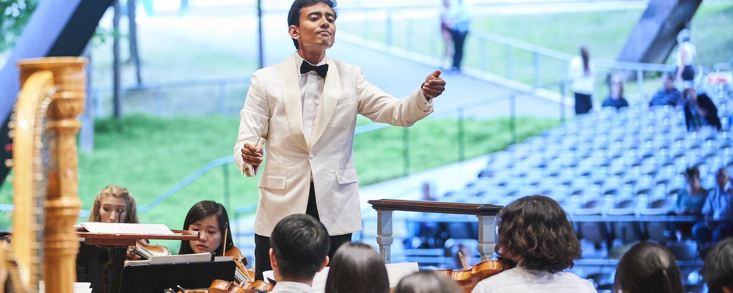 Vinay Parameswaran, Assistant Conductor of The Cleveland Orchestra leading the KBMF Chamber Orchestra at Blossom Music Festival