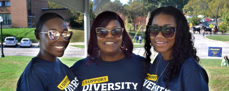 three women at diversifest 2017