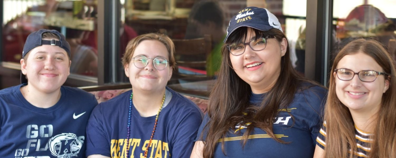 community members enjoy meal together for ksu homecoming