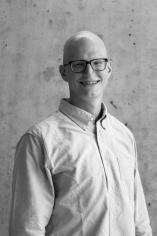 Andrew Economos Miller headshot