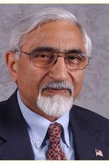 Dr. Surinder Bhardwaj Headshot