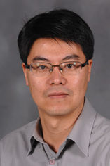 Min-Ho Kim, Ph.D., assistant professor in the College of Applied Engineering, Sustainability and Technology, was one of two professors who received a Farris Family Innovation Awards for their research projects.