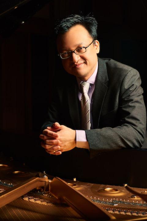 Andrew Le, piano