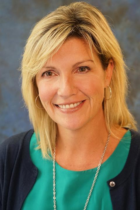 Photo of Lisa Onesko