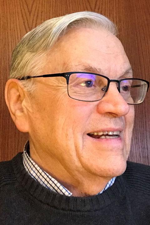 Thomas J. Froelich headshot