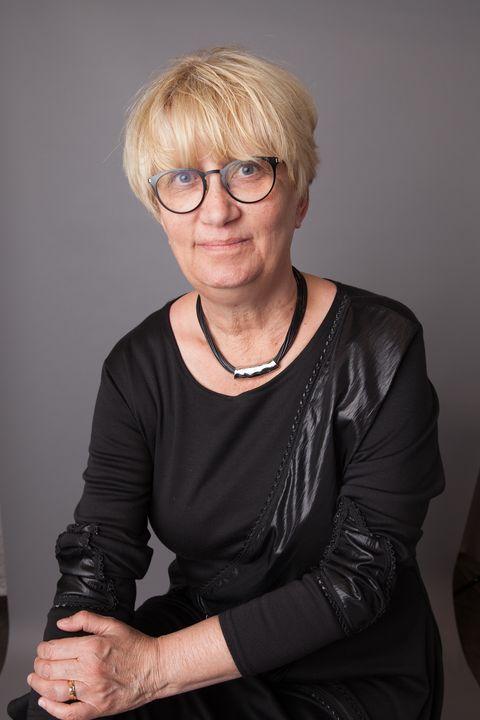 Catherine Hakala-Ausperk headshot