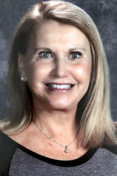 Mary Stahr headshot