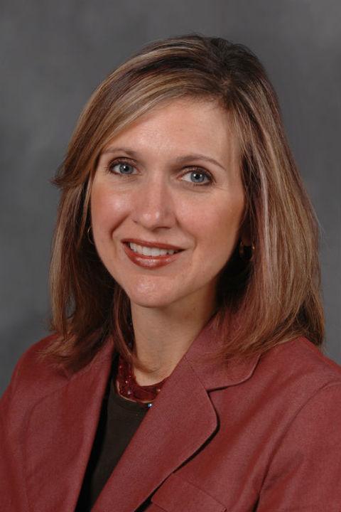 Dr Elizabeth Testa