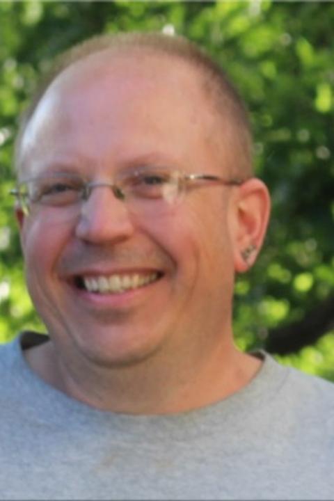 Andrew Scholl Headshot