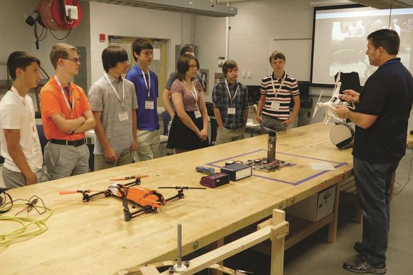 ACE Academy students CAEST lab