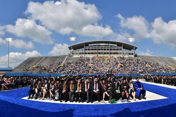 photo Commencement in Dix Stadium