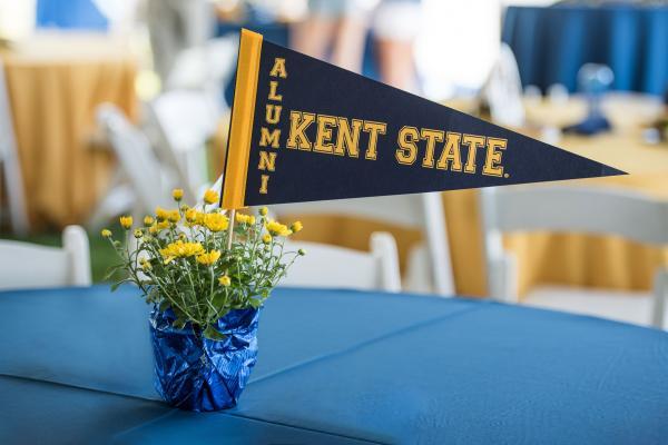 Image of Kent State Alumni Flag