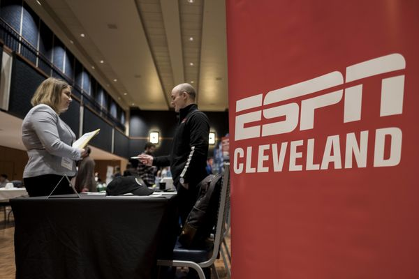 Students speak with ESPN Cleveland at the CCI Career Expo 2018