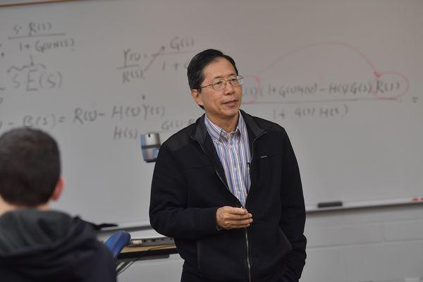 photo Mechatronics Shin-Min Song PhD teaches class