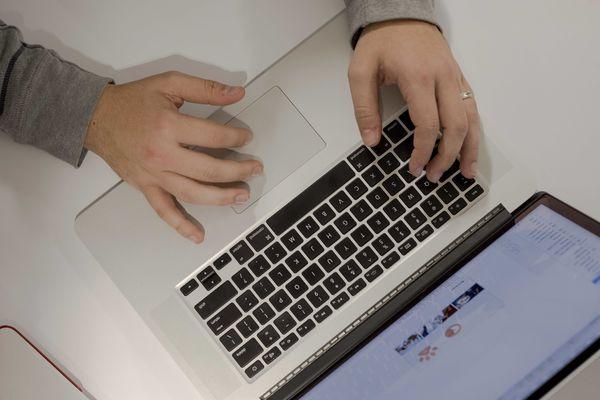 laptop landing page